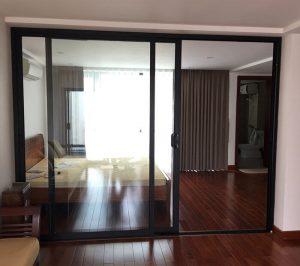 Mẫu cửa nhôm kính phòng ngủ cực sang trọng