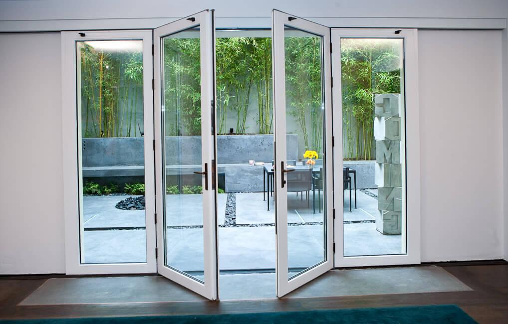 Hướng cửa chính nên mở trong hay ngoài cho hợp phong thủy
