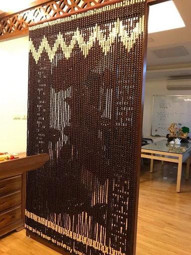 Cửa thông qua phòng (cửa không cánh, có thể phủ rèm thưa hoặc treo màn )