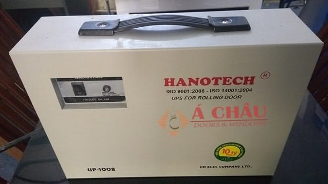 mở cửa cuốn khi mất điện bằng bình lưu điện Hanotech