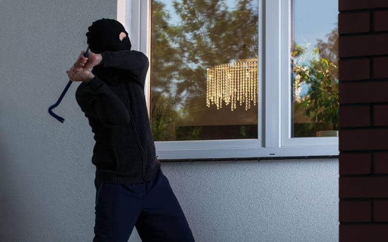 Nhiều hiểm nguy nếu không thiết lập khung bảo vệ cửa sổ chất lượng