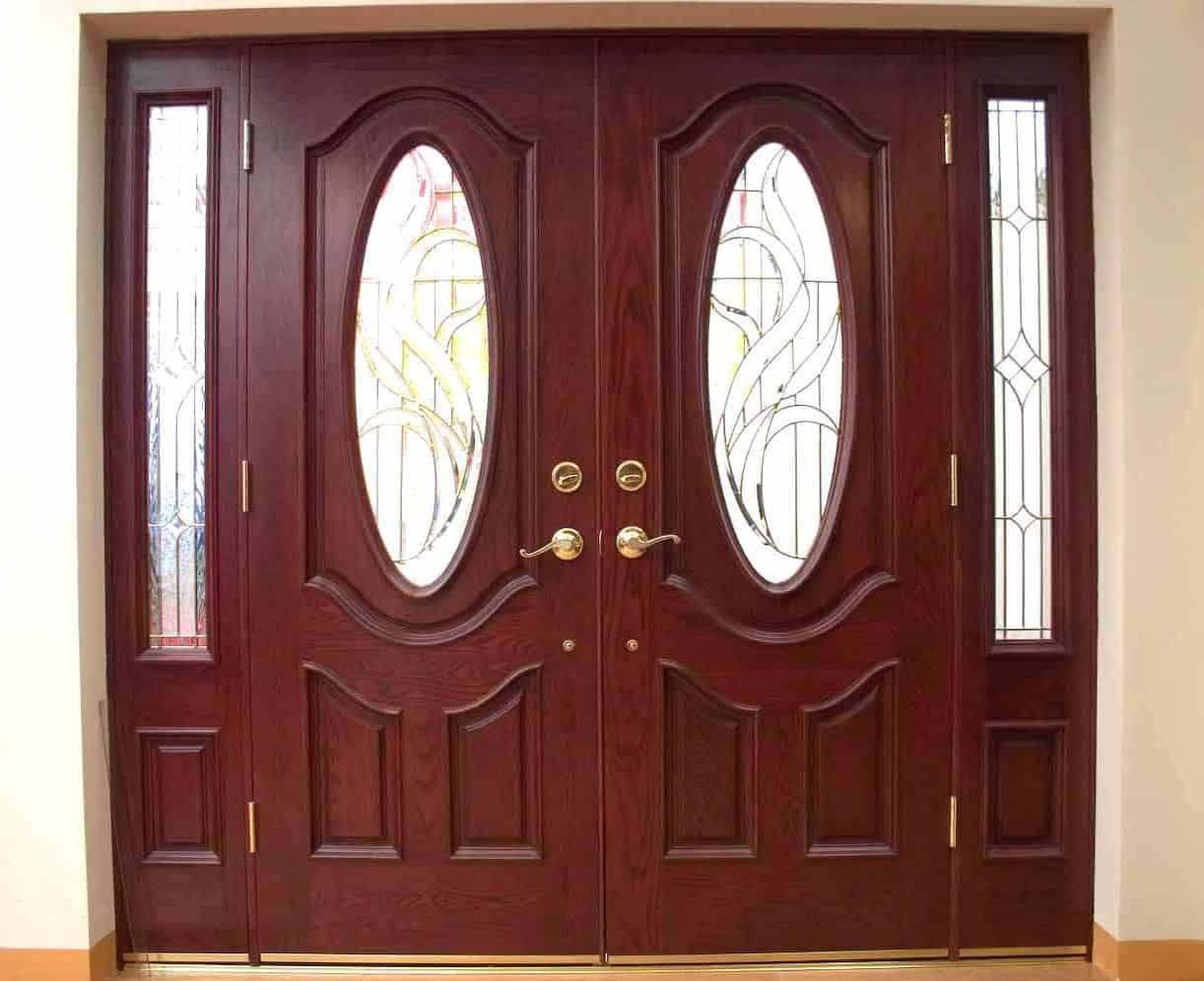 nên dùng cửa gỗ hay cửa nhựa lõi thép
