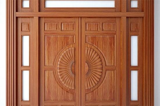 so sánh cửa kính cường lực và cửa gỗ