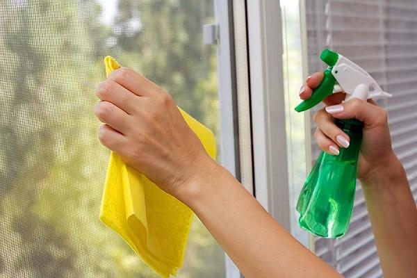 giá cửa nhà vệ sinh nhựa lõi thép