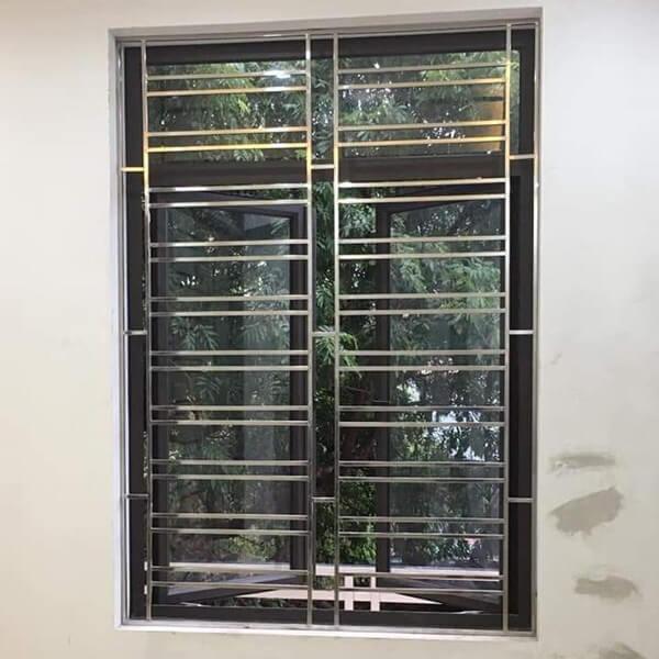 Khung cửa sổ bằng inox sang trọng