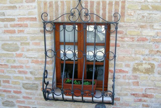 Thiết kế khung bảo vệ cửa sổ đẹp