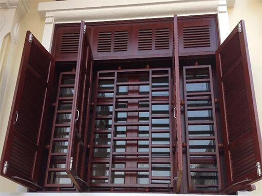 Khung cửa sổ gỗ toát vẻ đẹp cổ điển và sang trọng cho ngôi nhà