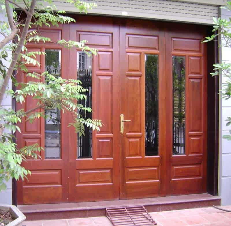 Độ bền giữa cửa gỗ và cửa nhôm