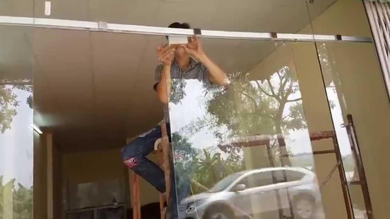 Sửa chửa cửa kính cường lực tại nhà