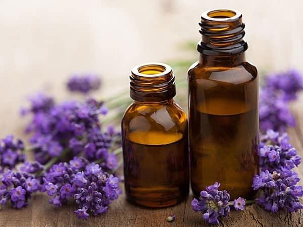 Làm thơm phòng ngủ bằng tinh dầu thơm