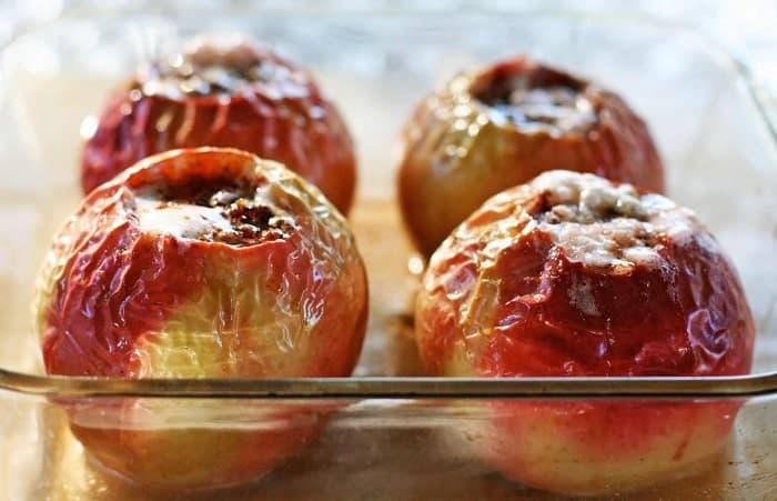 Làm tinh dầu xông phòng từ táo nướng