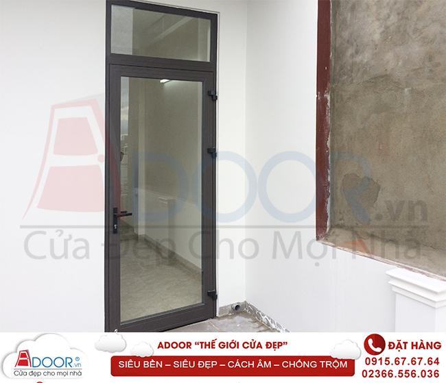 Mẫu cửa nhôm kính 1 cánh dành cho phòng ngủ
