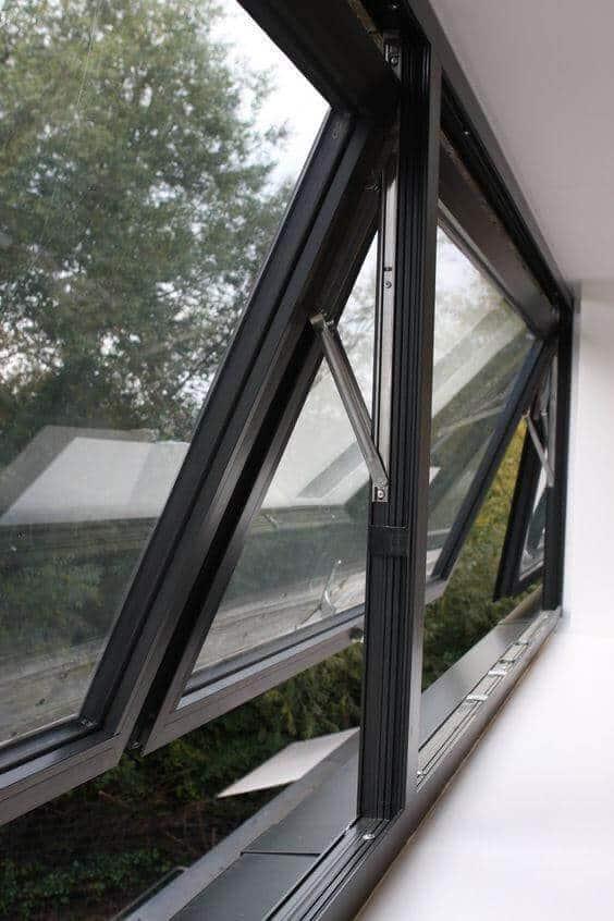 Cửa sổ nhôm kính mở hất 3 cánh cho văn phòng
