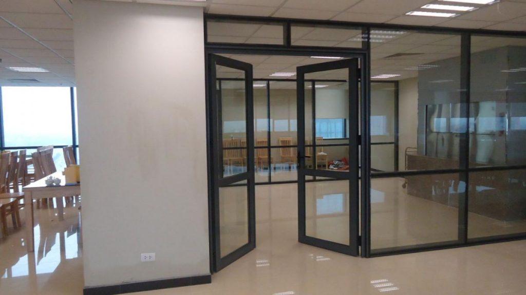 Mẫu cửa nhôm 2 cánh Xingfa thích hợp cho văn phòng