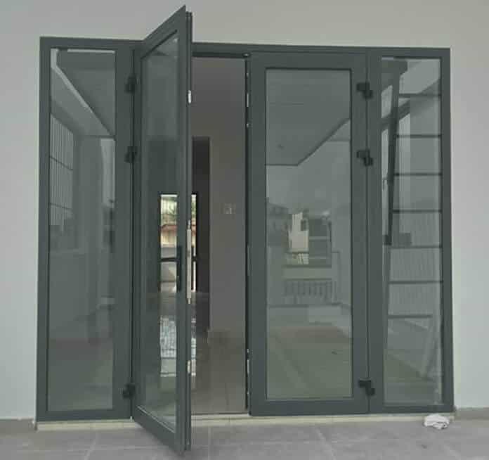 Mẫu cửa nhôm kính 4 cánh