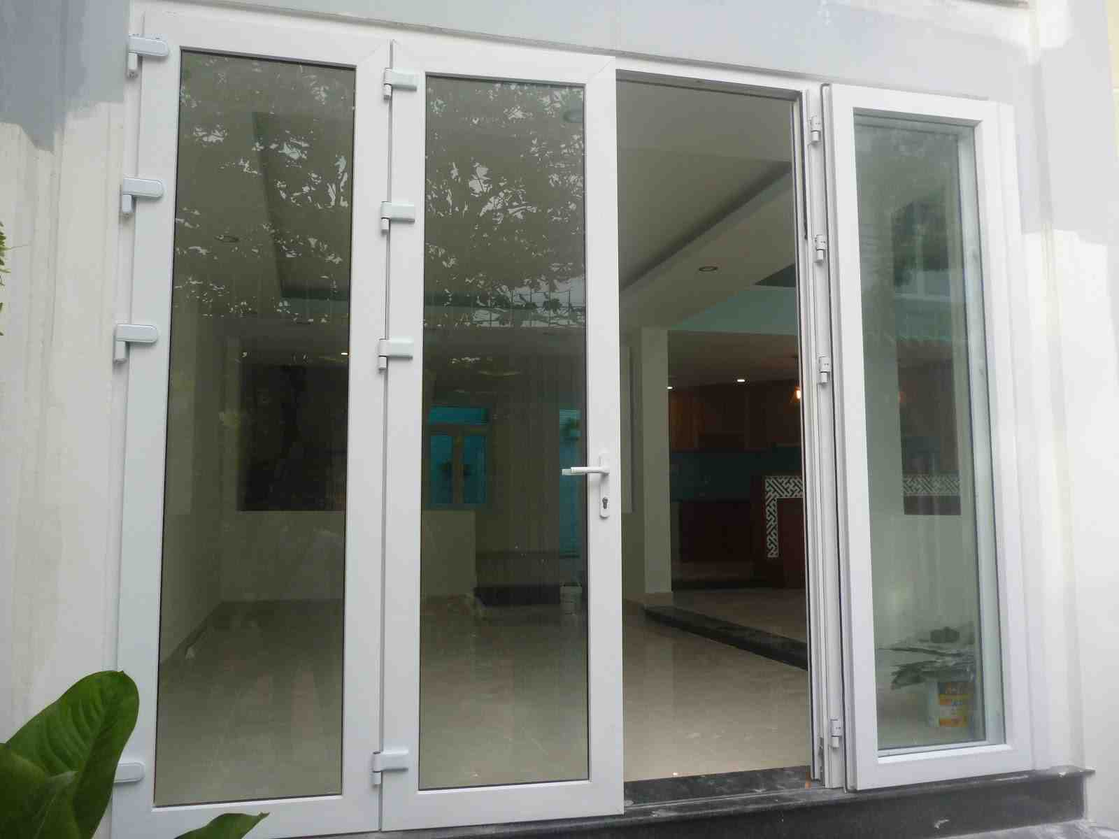Cửa nhựa lõi thép thích hợp làm cửa chính chi nhiều loại công trình